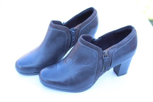 Clarks gray Boots Image 1