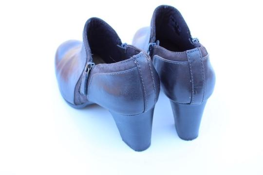 Clarks gray Boots Image 2