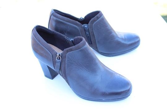 Clarks gray Boots Image 4