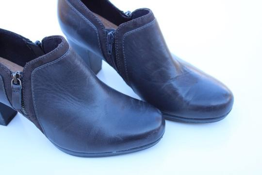 Clarks gray Boots Image 5