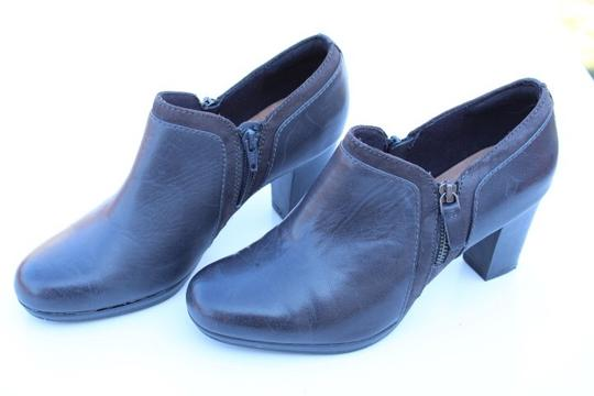 Clarks gray Boots Image 7