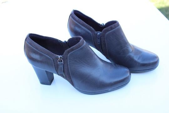 Clarks gray Boots Image 9