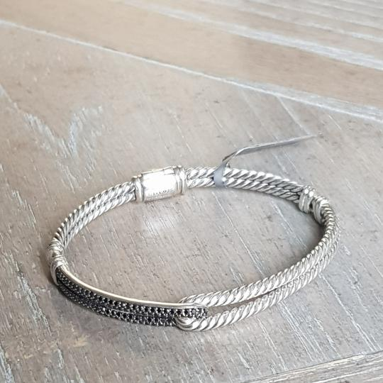 Preload https://item1.tradesy.com/images/david-yurman-labyrinth-black-diamond-loop-bracelet-26389650-0-1.jpg?width=440&height=440