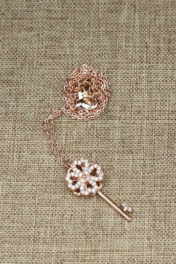 Ocean Fashion Rose gold four-leaf clover crystal key necklace Image 3