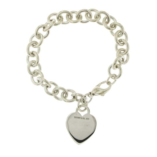 Preload https://img-static.tradesy.com/item/26389981/tiffany-and-co-white-co-925-sterling-silver-heart-tag-charm-size-675-bracelet-0-0-540-540.jpg