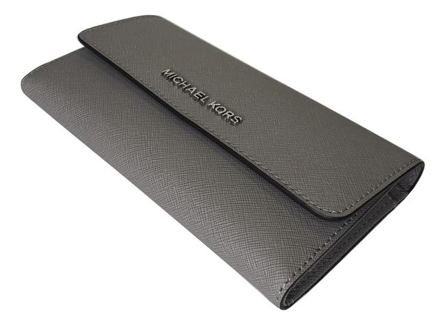 Item - Pearl Grey Jet Set Travel Large Trifold Saffiano Leather Wallet