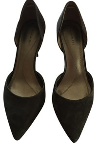 Tahari Gray Pumps