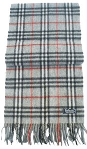 Burberry Burberry Vintage Heritage Gray Nova Check Lambswool England Fringe Scarf