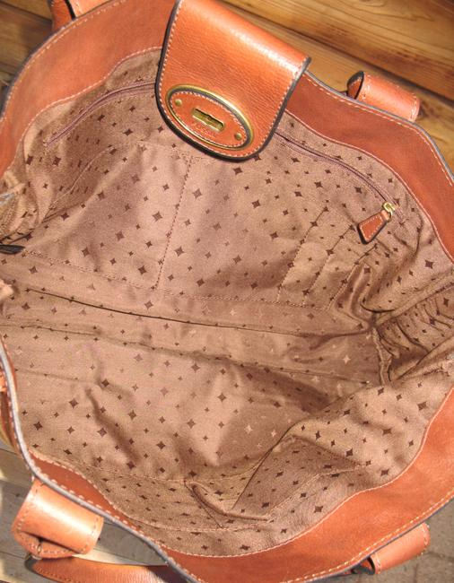 Fossil Reissue Weekender Rose Gold Leather Tote Fossil Reissue Weekender Rose Gold Leather Tote Image 12