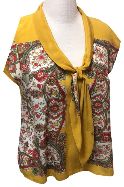 Item - Yellow Tie Front Open Bottoms Back Blouse Size 14 (L)