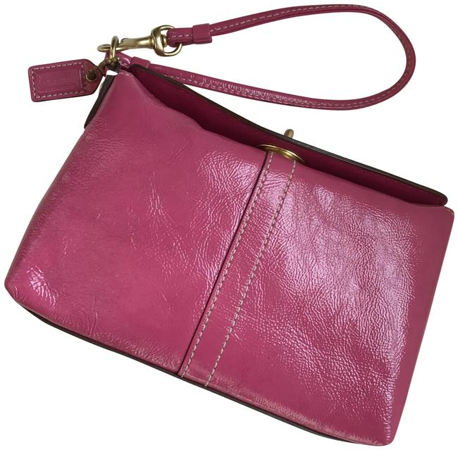 Item - Capacity 42845 Pink Patent Leather Wristlet
