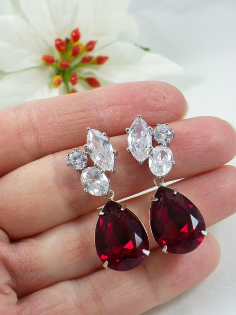 Item - Deep Red Burgundy Ruby Teardrop Maroon Earrings