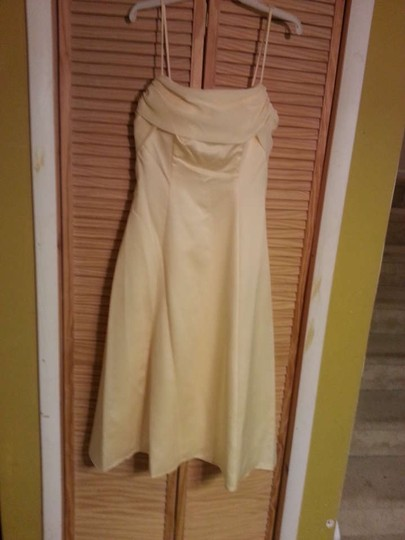 Alfred Angelo Butter (Yellow) Polyester 6128 Formal Bridesmaid/Mob Dress Size 14 (L)