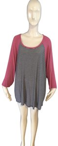 Maurices T Shirt Mauve and black