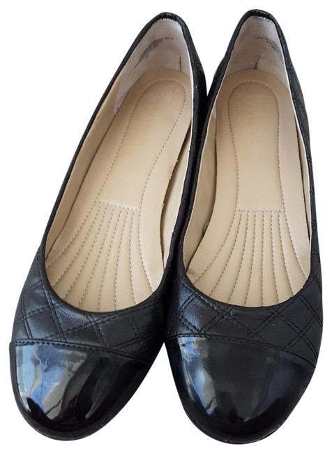 Item - Black Round-toe Slip-on Cap Flats Size US 7.5 Regular (M, B)