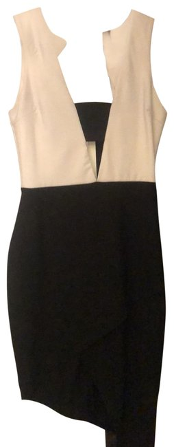 Preload https://img-static.tradesy.com/item/26408532/missguided-black-and-white-short-cocktail-dress-size-8-m-0-1-650-650.jpg