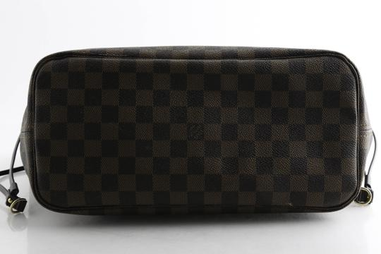 Louis Vuitton Tote in Brown Image 8