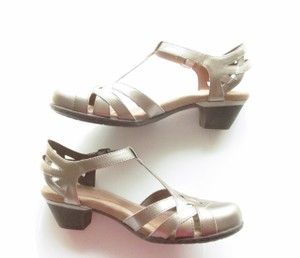 Cobb Hill T-strap Cutouts Aubrey C Wide Gold, Pewter. Metallic Pumps