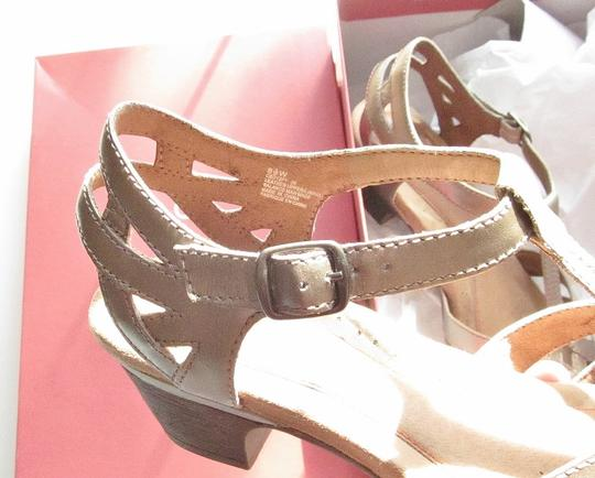 Cobb Hill T-strap Cutouts Aubrey C Wide Gold, Pewter. Metallic Pumps Image 3