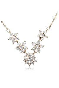 Ocean Fashion Gold mini crystal flower clavicle necklace