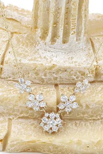 Ocean Fashion Gold mini crystal flower clavicle necklace Image 3