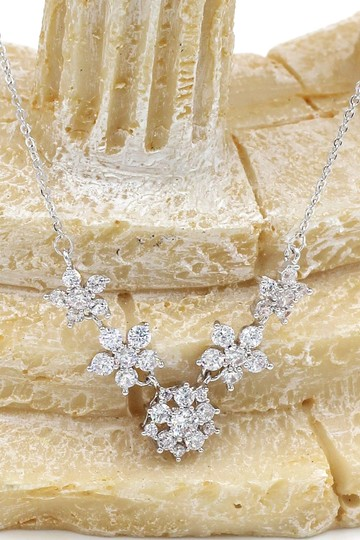 Ocean Fashion Sterling silver mini crystal flower clavicle necklace Image 4