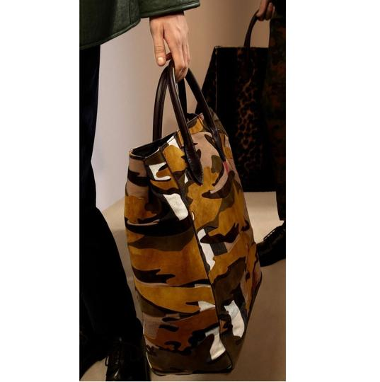 Burberry Tote in Dusty Citrine Image 7