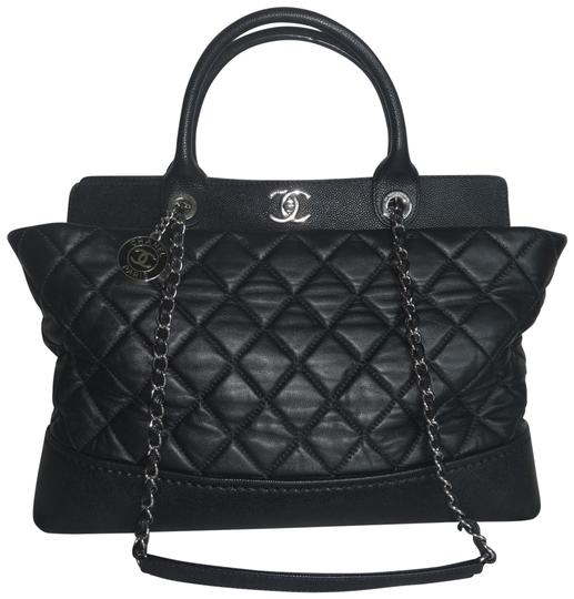 Preload https://img-static.tradesy.com/item/26409491/chanel-tote-matelasse-chain-with-handles-2ways-black-leather-shoulder-bag-0-1-540-540.jpg