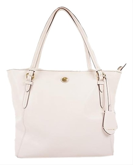 Preload https://img-static.tradesy.com/item/26411710/coach-bag-f27349-women-s-white-leather-tote-0-1-540-540.jpg