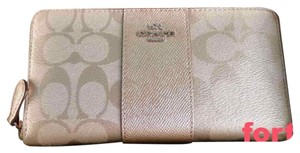 Coach Coach Accordian Zip Wallet with Box