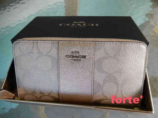 Coach Coach Accordian Zip Wallet with Box Image 1