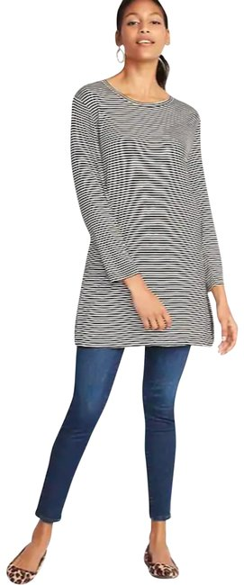 Preload https://img-static.tradesy.com/item/26412454/old-navy-blackwhite-xs-women-s-luxe-tunic-size-petite-2-xs-0-1-650-650.jpg