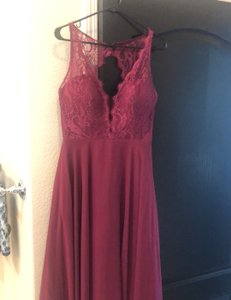 Hayley Paige Burgundy/Wine Chiron/Lace Top Formal Bridesmaid/Mob Dress Size 6 (S)