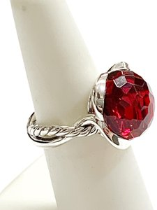 David Yurman BEAUTIFUL!! CLASSIC STYLE!! David Yurman Garnet Continuance Ring