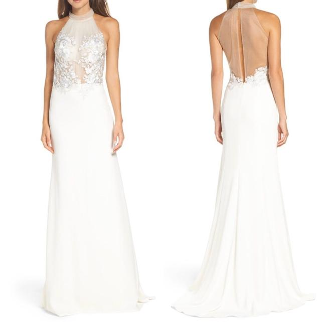 Item - Ivory White Embroidered Trumpet Halter Gown Modest Wedding Dress Size 6 (S)