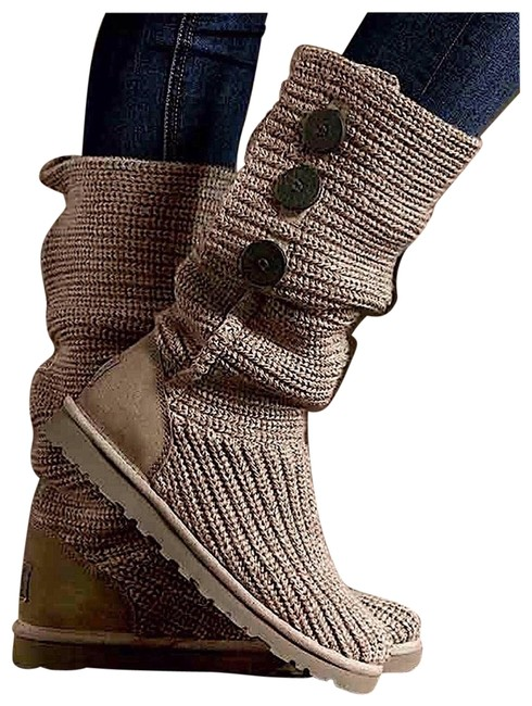 Item - Oatmeal Nwob: Classic Cardy (5819) Boots/Booties Size US 7 Regular (M, B)