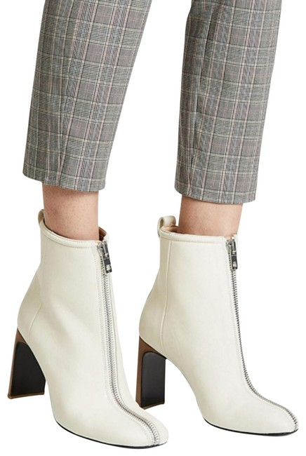 Item - Ivory Lambskin Leather Boots/Booties Size US 8.5 Regular (M, B)