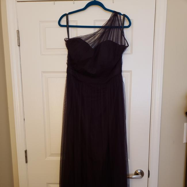 Item - Plum Polyester 1168 English Netting Formal Bridesmaid/Mob Dress Size 12 (L)