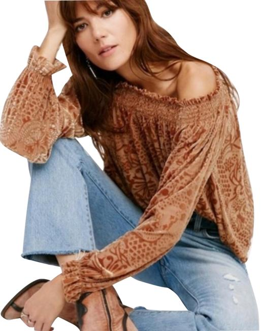 Item - Gold Off The Shoulder Blouse Size 0 (XS)
