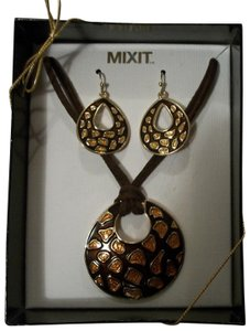 Mixit Brown And Topaz Tone Earring And Adjustable Necklace Set