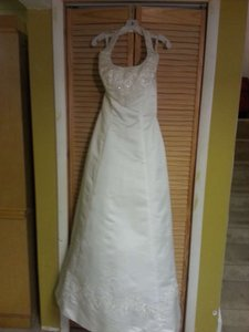 Alfred Angelo 1424 Wedding Dress