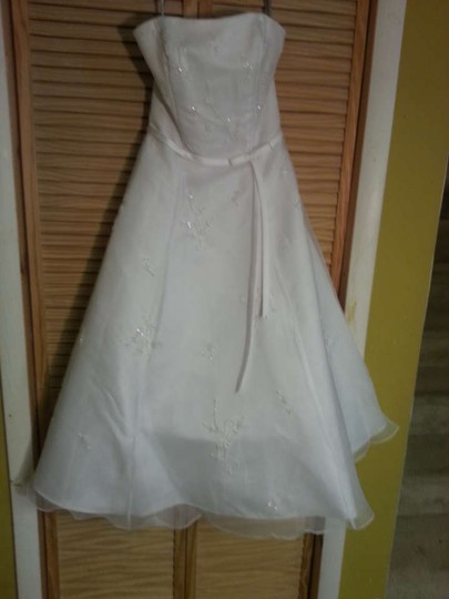 Alfred Angelo White Satin & Organza 1947 Formal Wedding Dress Size 8 (M)
