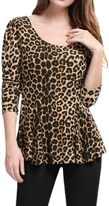 Premise Leopard Print 3/4-sleeves Backtail Pullover Style Round Neck Top Brown/Black