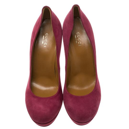 Gucci Suede Round Toe Red Pumps Image 2
