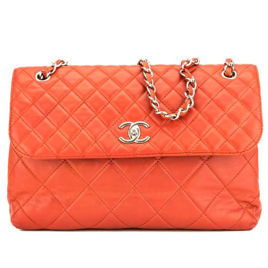 Preload https://img-static.tradesy.com/item/26427164/chanel-classic-flap-vermilion-quilted-leather-maxi-single-red-lambskin-shoulder-bag-0-0-540-540.jpg