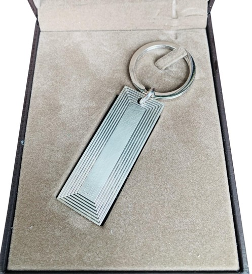 Preload https://img-static.tradesy.com/item/26427184/alfred-dunhill-silver-sterling-keychain-0-1-540-540.jpg