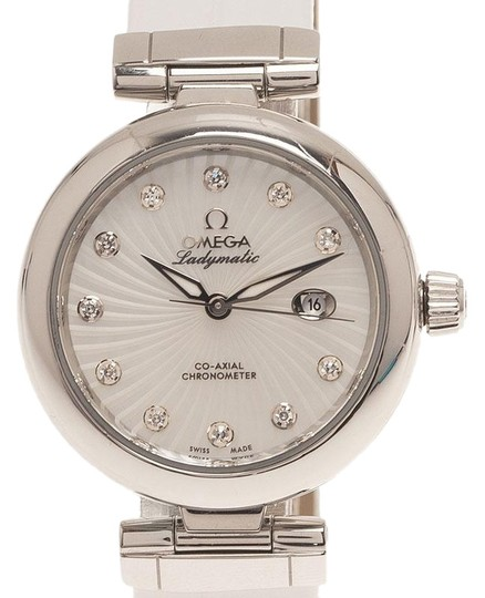 Preload https://img-static.tradesy.com/item/26427214/omega-cream-mother-of-pearl-stainless-steel-ladymatic-women-s-wristwatch-34mm-watch-0-1-540-540.jpg