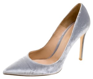 Gianvito Rossi Pointed Toe Grey Pumps