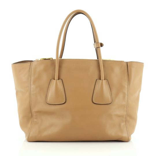 Prada Leather Tote in neutral Image 2