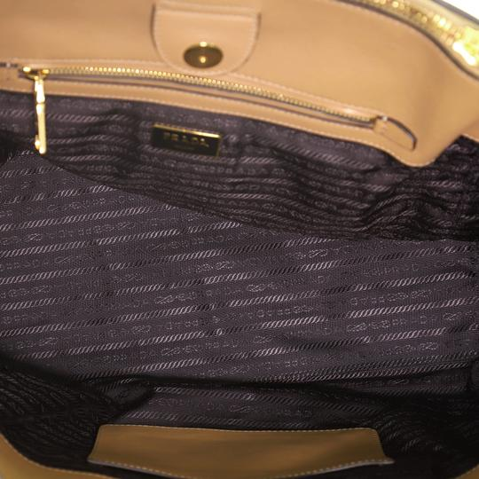 Prada Leather Tote in neutral Image 4